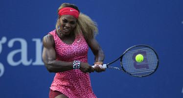 WTA FINALS SINGAPORE : Serena si qualifica grazie alla Halep che perde in tre set.