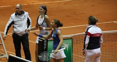 FED CUP ITALIA-FRANCIA 2-1 : Kristina Mladenovic supera Sara Errani 64 63