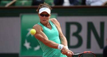 WTA BAD GASTEIN : Vince la Stosur, Knappp cinque ore in campo