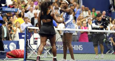 US OPEN : Serena supera in tre set la sorella Venus, lo Slam si avvicina