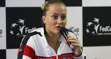 """FedCup Francia-Italia 1-0 : Kristina Mladenovic """"Mi hanno destabilizzato i falli di piede"""""""