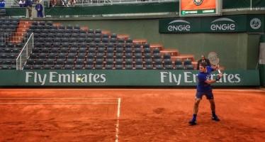 Roland Garros : Federer si allena sul n.1