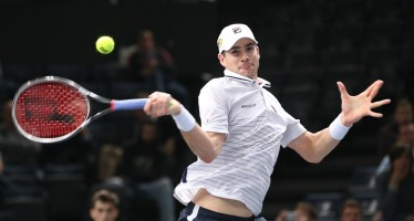 ATP AUCKLAND : Avanza Isner, si ritira Lopez