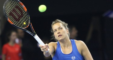 FED CUP 2016 : Barbora Strycova domina il primo set