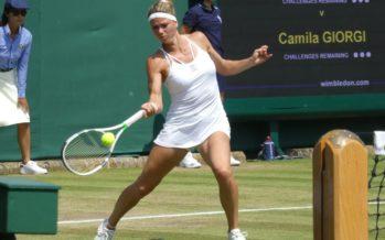 Wimbledon:  Camila Giorgi annula un mp e vola agli ottavi