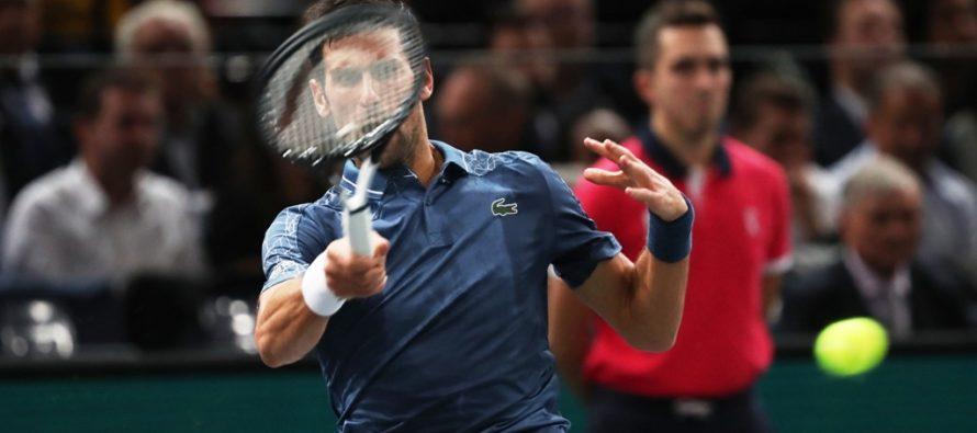 Rolex Paris Masters :  Djokovic in semifinale, ma che fatica contro Cilic