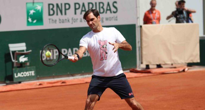 RG 2019 : Roger Federer si allena nel nuovo centrale